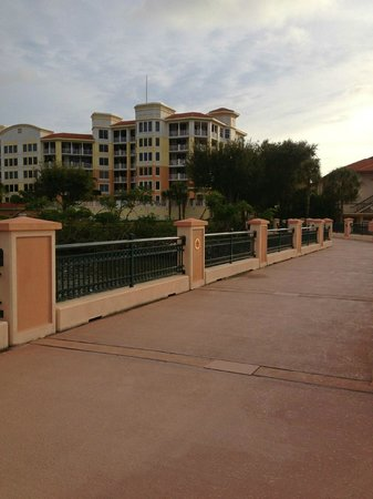 Best Western Intracoastal Inn : Cross the bridge out back to the yacht basin