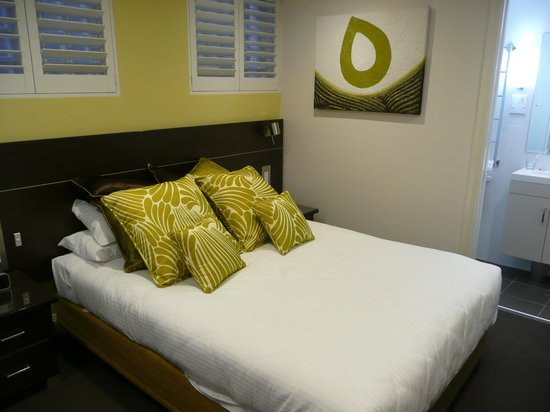 Hyde Park Inn: Bed
