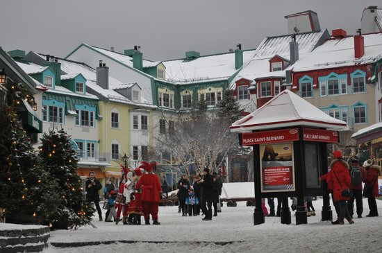 La Place St-Bernard - Les Suites Tremblant: village square