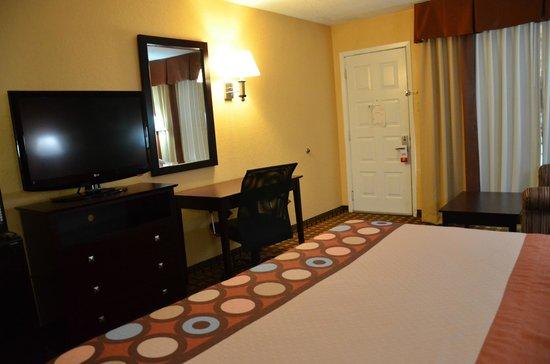 Americas Best Value Inn- Stuttgart: King Room