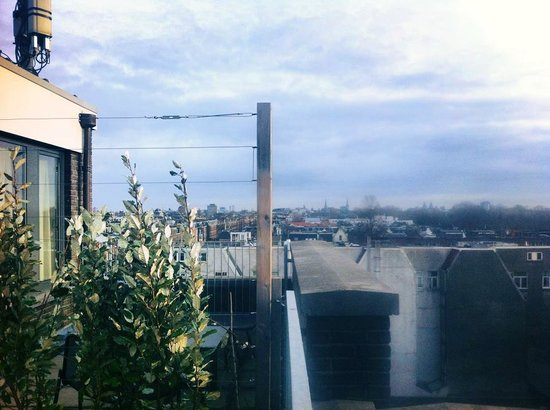 Conscious Hotel Vondelpark: View of Amsterdam central from top floor balcony