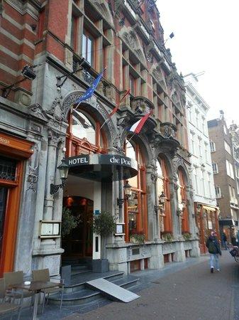Die Port van Cleve: OUTSIDE HOTEL