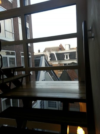 Die Port van Cleve: STAIRS/WINDOW