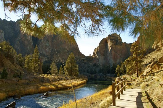 Smith Rock State Park: Smith Rock river level