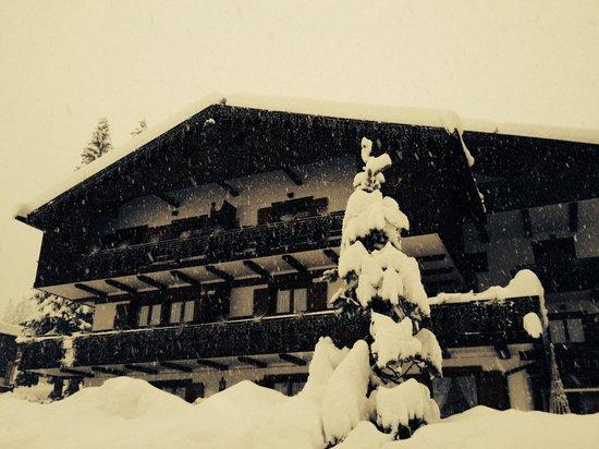 Lajadira Hotel : Giornata di neve