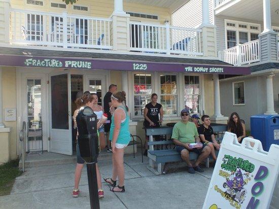 Fractured Prune Ocean : Outside the shoppe