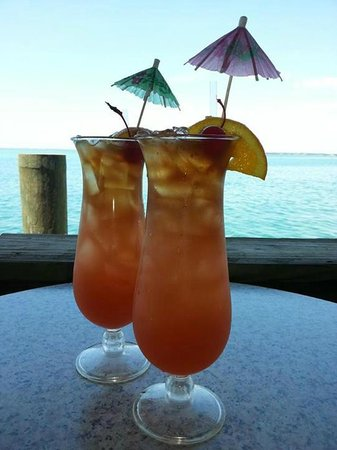 Lido Islander : These are our drinks at the Old Salty Dog which was a 3 min drive