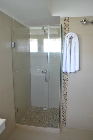Iberia Hotel Punta del Este: Boxe do banheiro
