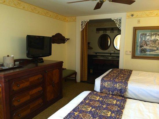 Disney's Port Orleans Resort - French Quarter: Standard Room