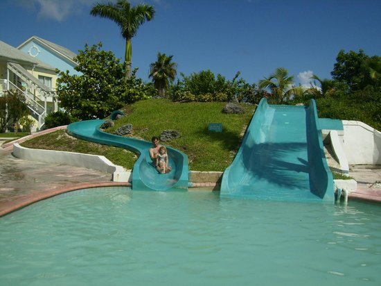 Sandyport Beach Resort: piscina