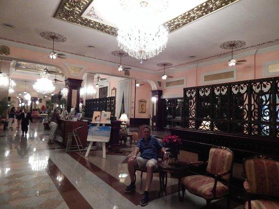 Hotel Riu Palace Riviera Maya : unos de sus salones de recepción , majestuoso!!