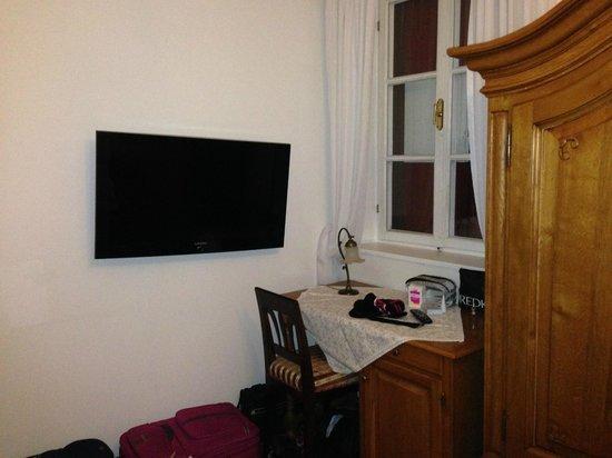 Ansitz Castel Kandelburg: Angolo tv camera 108