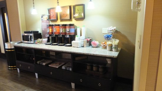 Hampton Inn Myrtle Beach - West: Dining Area Drinks