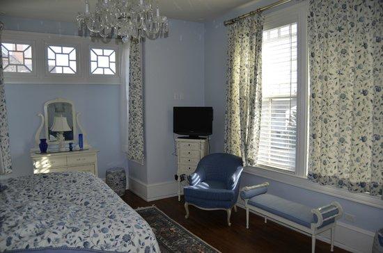 Williams Cottage Inn: Blue Room