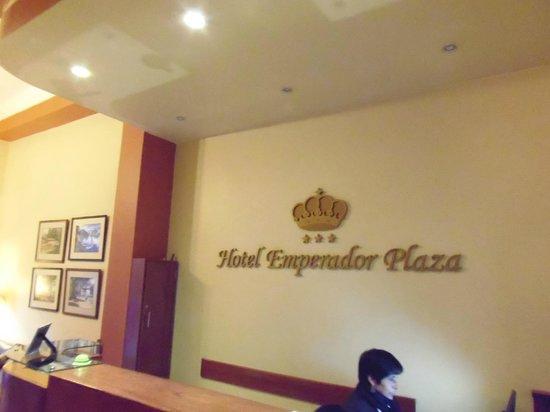 Emperador Plaza Hotel: la recepción