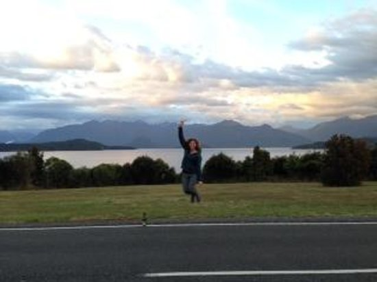 Manapouri Lakeview Motor Inn: Great location
