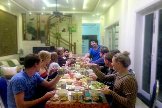 Hoi An VIVA Homestay-Villa : Local Food Dinner