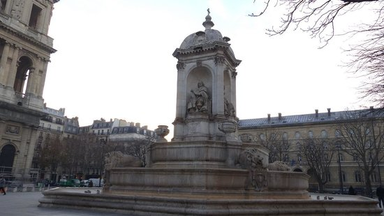 Fountain in front of Eglise Saint-Sulpice