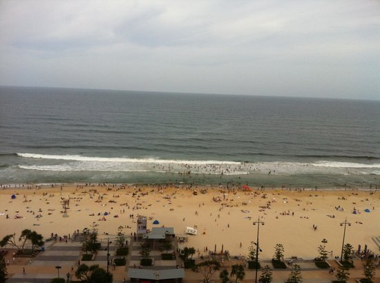 Surfers International: Christmas Day view of the beach