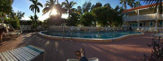 Tortuga Beach Resort: Pool area