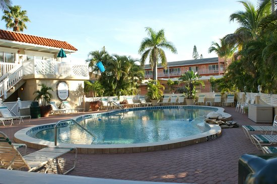 Tortuga Beach Resort: View of the Pool
