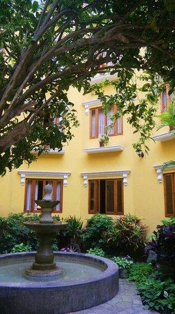 Antigua Miraflores Hotel: Courtyard