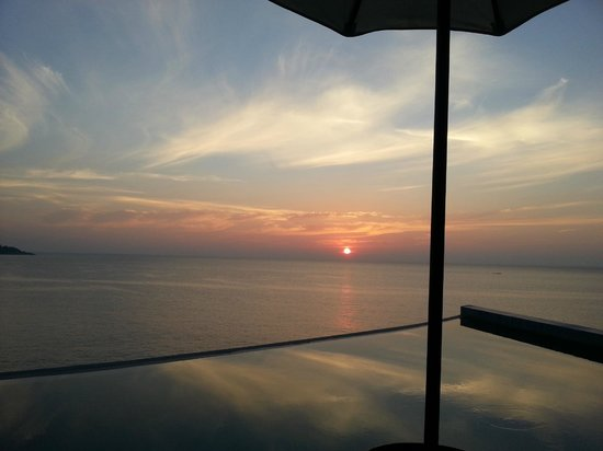 Impiana Private Villas Kata Noi: Beautiful sunset