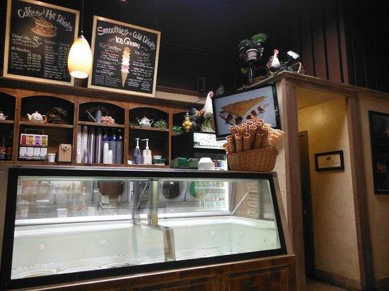 Cafe Carmel: Balcão