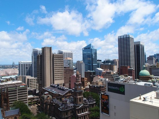 Meriton Serviced Apartments Pitt Street: View of Sydney