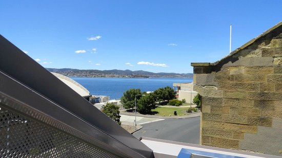 Salamanca Wharf Hotel: View from the balcony
