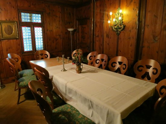 Hotel Eagles Inn : Upstairs dinning area