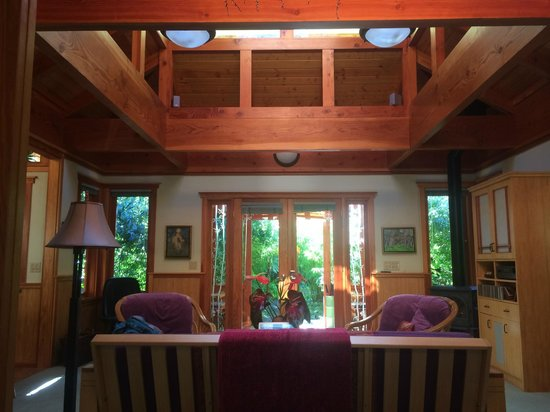 Volcano Rainforest Retreat: Bamboo Guest Cottage sitting room and front entry