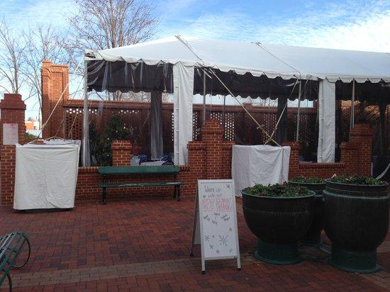 Ayse Meze: Outdoor patio