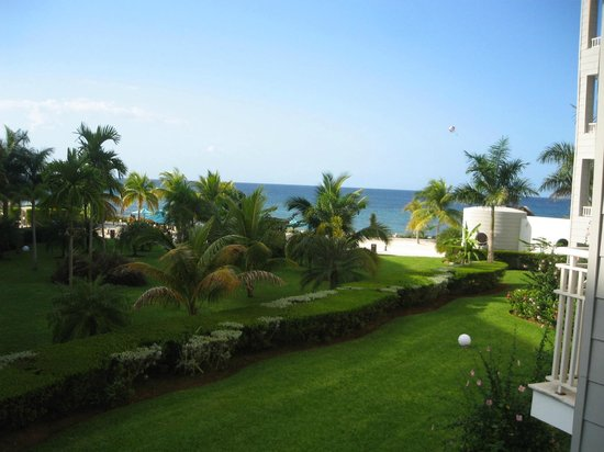 """Secrets St. James Montego Bay : the """"ocean view"""" from 2nd floor, non preferred balcony, if you leaned to the right to see it"""