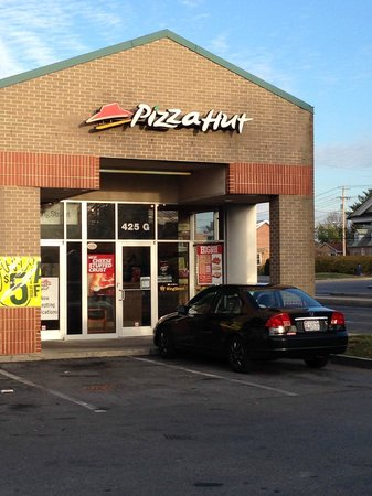 Pizza Hut: S. Jefferson St. location