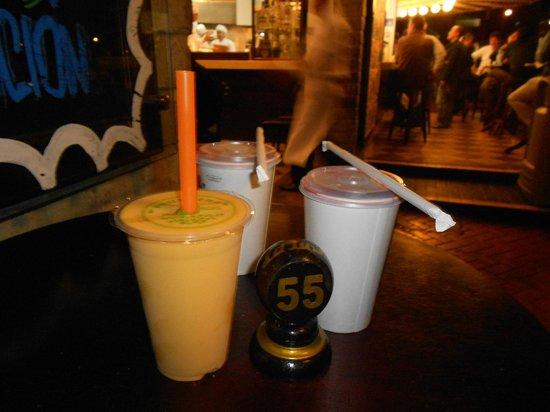 La Lucha Sangucheria Criolla: deliciosos jugos
