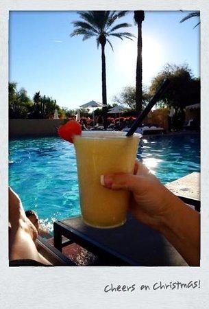 Fairmont Scottsdale Princess: Bellini drinks are oh so good!