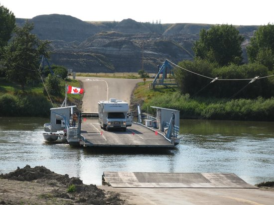 Bleriot Ferry: Ferry takes an RV with room to spare