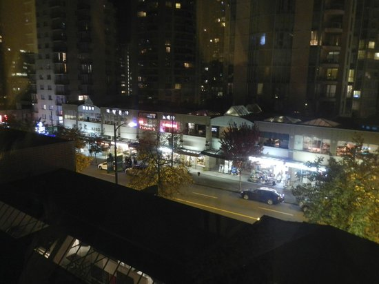 The Listel Hotel Vancouver: View of Robson