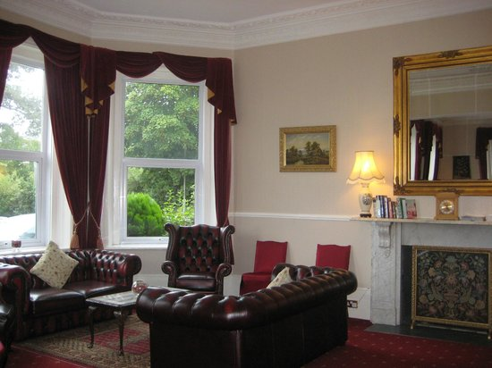 Bourne Hall Country Hotel: Guest lounge area in hotel