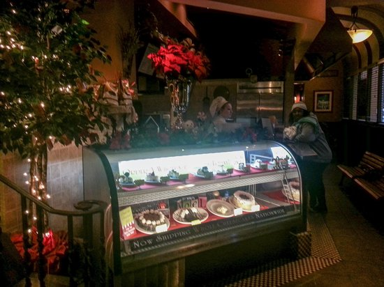 Copeland's Of New Orleans: Inside the front entrance is dessert display!
