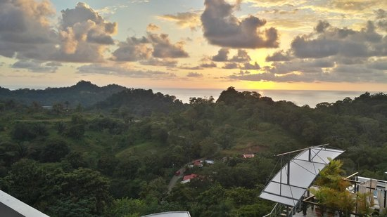 Gaia Hotel & Reserve: Sunset view from la Luna