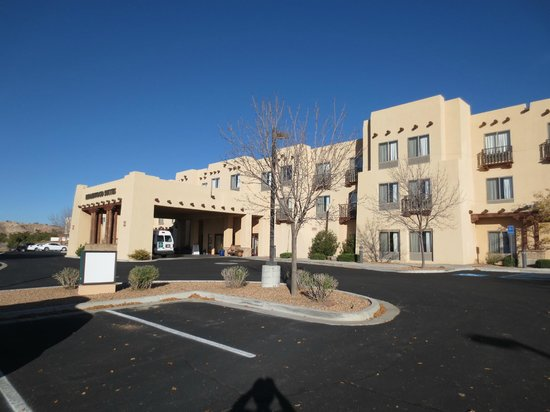 Homewood Suites Santa Fe: front of property, casitas are at rear