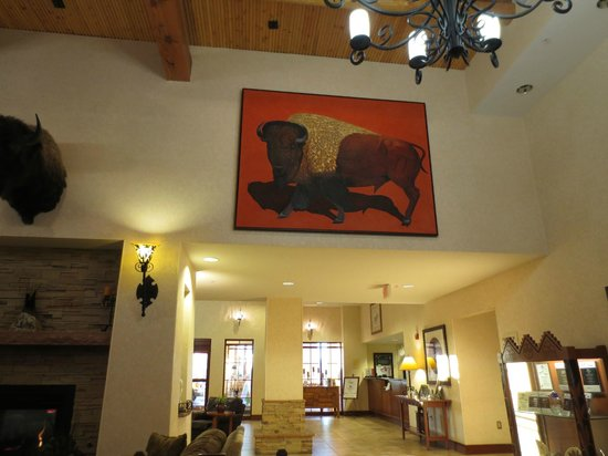 Homewood Suites Santa Fe: more art in dining area