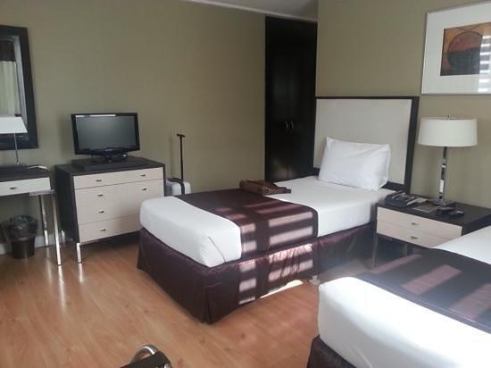 Astoria Plaza: bedroom