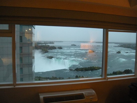 Radisson Hotel & Suites Fallsview: view
