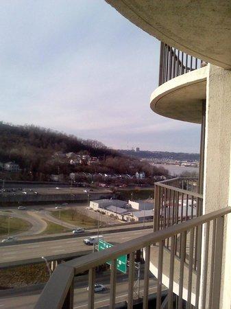 Radisson Hotel Cincinnati Riverfront: view from 13th Fl