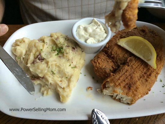 Harry's Seafood Bar and Grille : Blackend fish