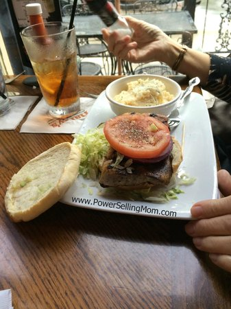 Harry's Seafood Bar and Grille : fish sandwich