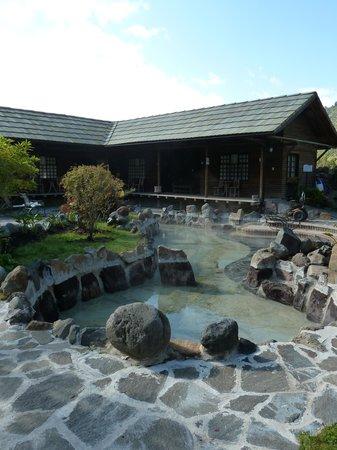 Termas de Papallacta: Soaking pools near the rooms